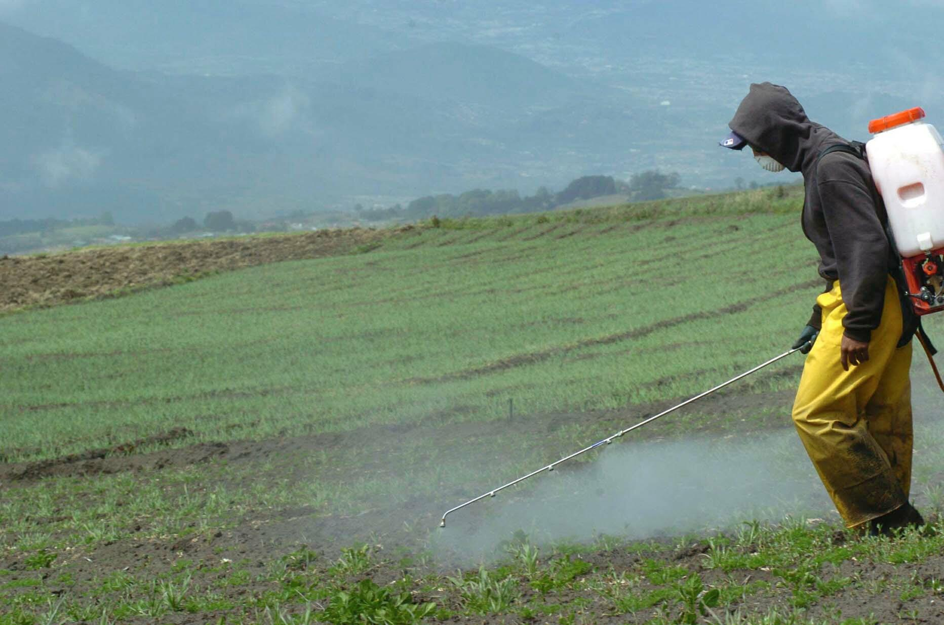 Agroquímicos. La aplicación de agroquímicos se ha incrementado notoriamente en los últimos años en la agroindustria.